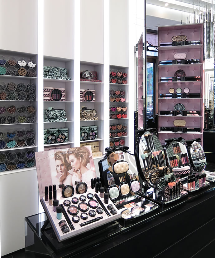 MAC Glamour Daze Display Design
